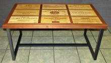 Table basse en bois exotique et pietement Valchromat